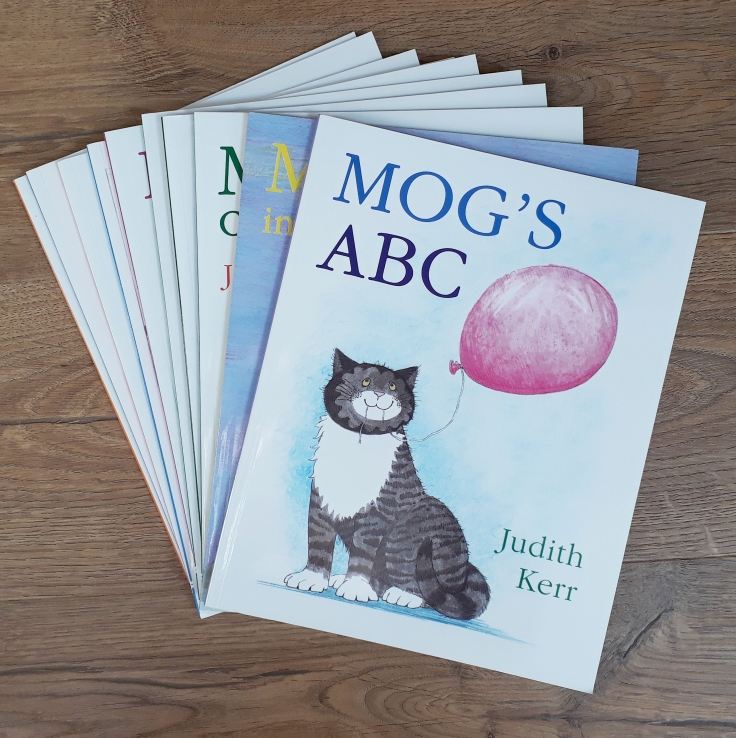 10-mog-picture-books-judith-kerr-the-book-people-plastic-free-kids-party-bags.jpg